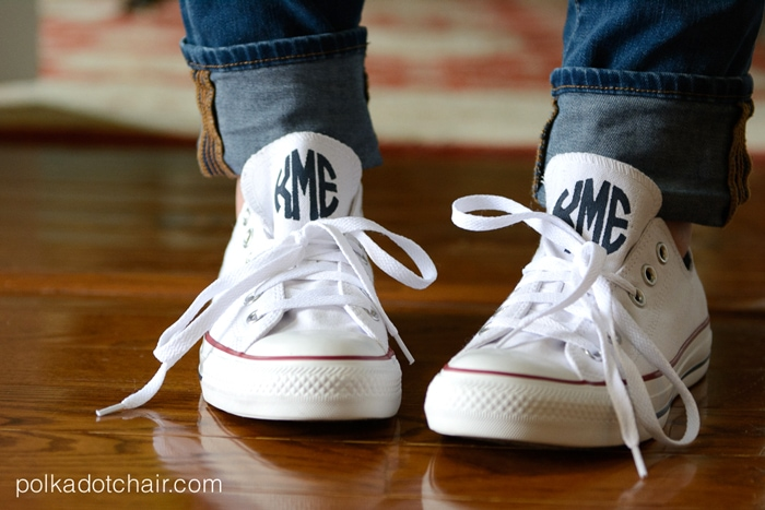 DIY Clothes Monogram Converse White Chucks with Skinny Jeans