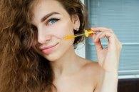 Olejki w kosmetykach do twarzy - jaka jest ich rola w pielęgnacji?