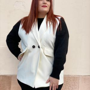 Gilet in panno bianco