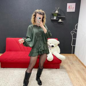Abito doll con cinta verde
