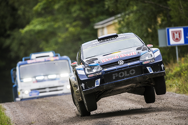2016 Volkswagen Polo R WRC vs Kamaz 4326 on Ouninpohja