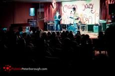 występ mamy mamy w Peterborough