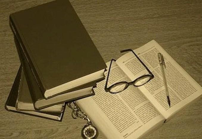 400px-Llibri_books4