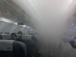 mystery-as-flight-is-hit-by-a-blanket-of-fog--inside-the-aeroplane-136398336730803901-150527114146