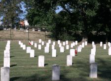 National Cemetery w Annapolis-widoczne polskie groby