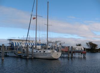 Polonijny jacht w marinie Mackinaw City