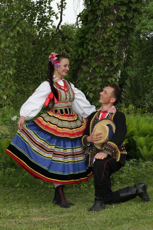 https://i1.wp.com/www.polskatradycja.pl/images/polska-tradycja/stroje-ludowe/stroje-krzczonowskie/stroj-krzczonowski-05.jpg