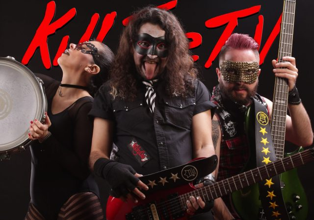 Kill The TV - Estrena The First Time