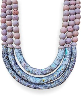 Elizabeth Hamilton curves her design with tube beads on PolymerClayDaily.com