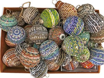 Teacher Diane Manzi teases us with a basket of reverse mosaic ornaments on PolymerClayDaily