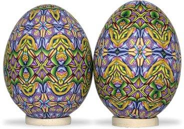 Carol Simmons can arrange one cane in many ways for an Easter treat on PolymerClayDaily