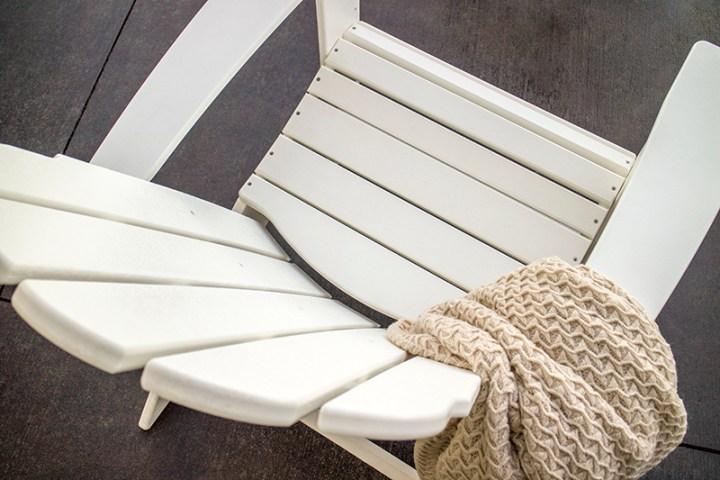 vineyard curveback adirondack chair by polywood