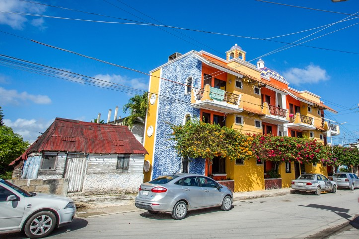 tulum_town_colourful_house