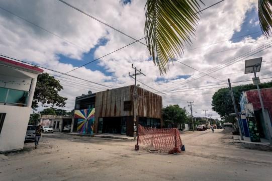 tulum_town_street_crossroads