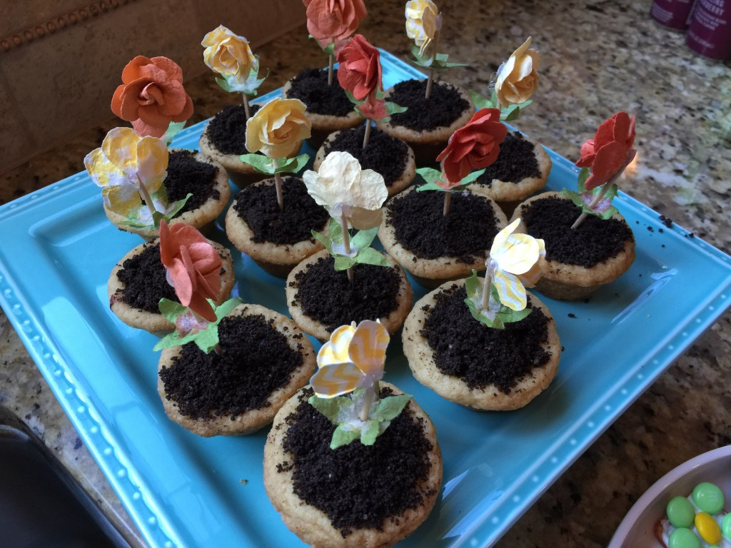 Cookie flower pots for Earth Day