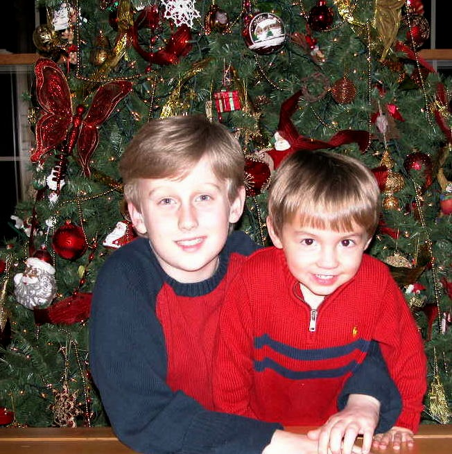 Decorating the Christmas Tree: The boys 10 Christmases ago. My, how they've changed!