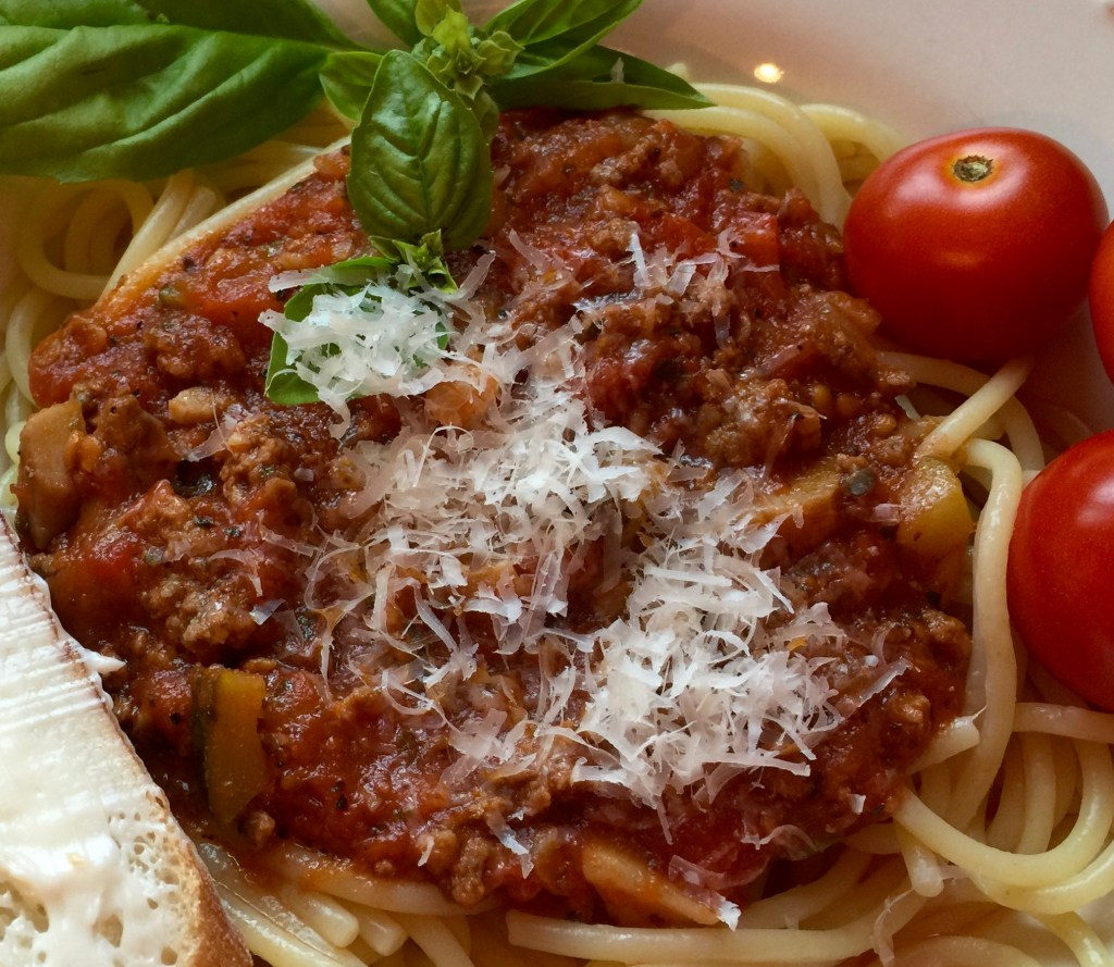 Freezer pasta sauce: End product - a delicious plate of spaghetti and sauce