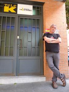 Francisco Pérez Ramos, Concejal Presidente Puente de Vallecas y Villa de Vallecas, en la puerta de TeleK