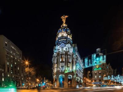 Es Madrid Es Navidad | Luces de Navidad en Alcalá con Gran Vía | Madrid Navidad 2015