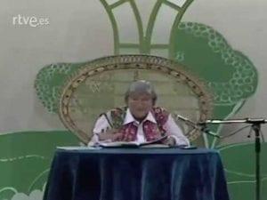 Gloria Fuertes recita 'El gato Garabato' | Vídeo | RTVE
