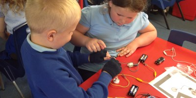 Year 2 Investigating Circuits!