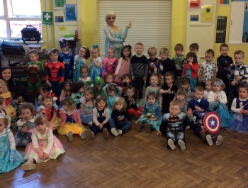 Nursery's 'Frozen' Party (with video)