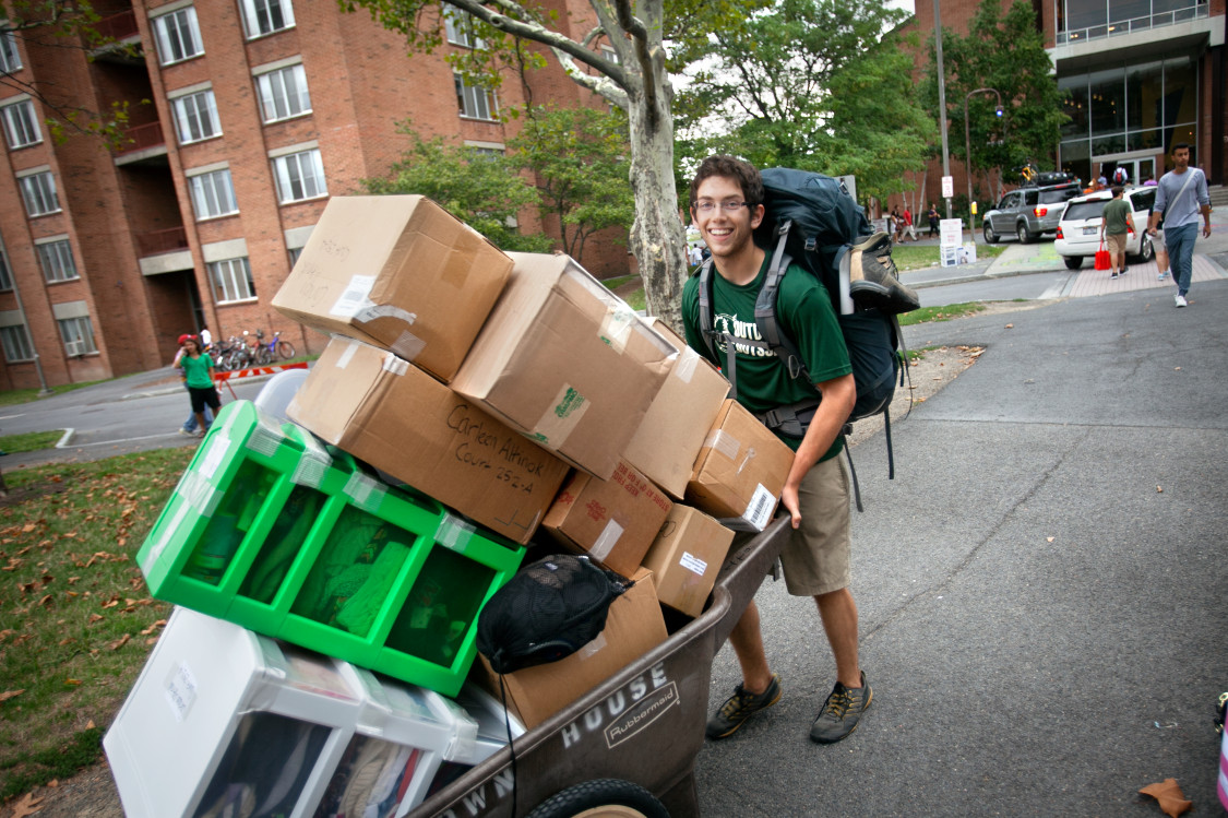Hire A Mover For Move In Day For College Dorms In Boston Ma