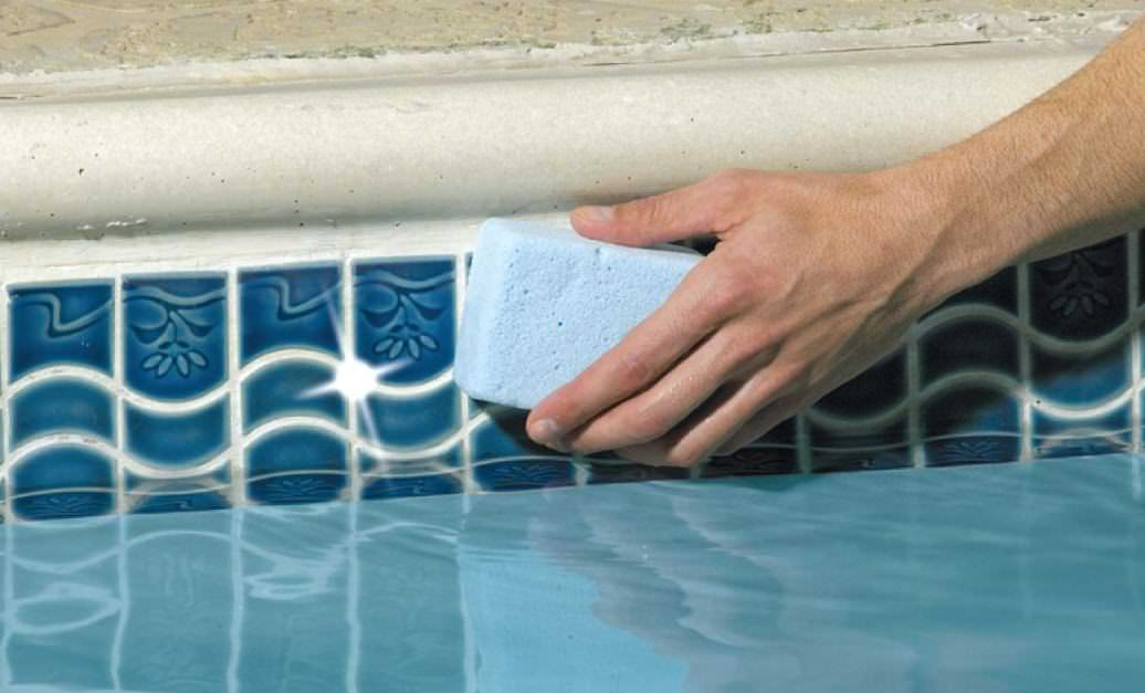 the best way to clean pool tile at the