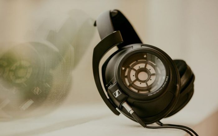 headsets, mobile technology