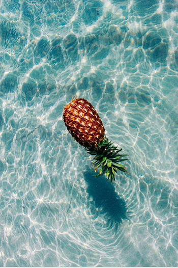 sea-sex-and-swimming-pool-and-ice-cream_01_06