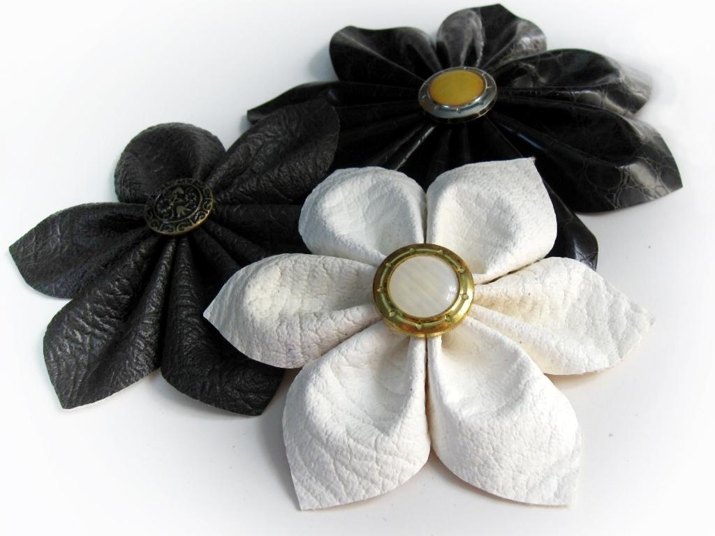Fleur En Simili Cuir Pop Couture