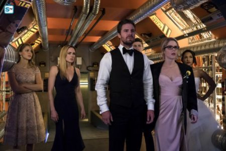 [Photos] Get Your First Look At The DC-TV Crossover Event [ARROW 6x08]