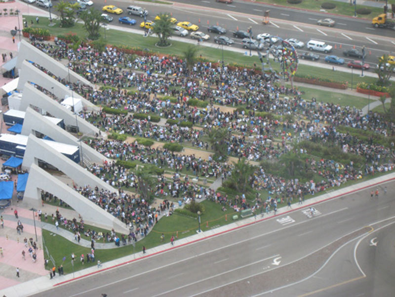 sdcc-crowds