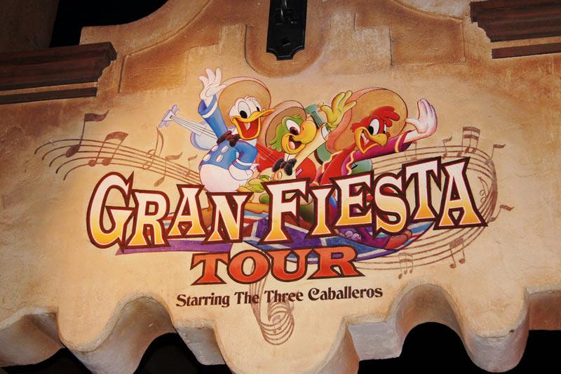 grand-fiesta-tour-sign