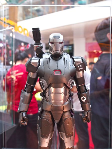 Hot Toys Iron Man 3 Exhibition @ Bugis Junction - POPCulture