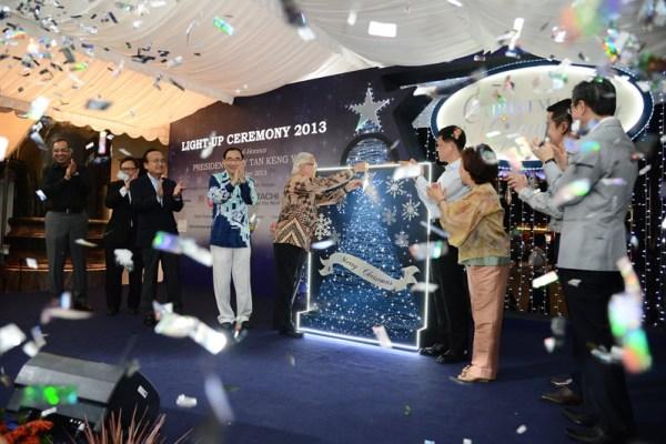 President Tony Tan Keng Yam launching the Orchard Christmas Light-Up