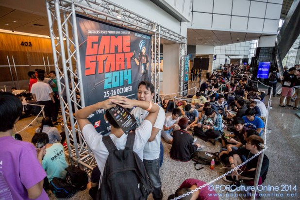 GameStart 2014 - Long Queue of fans waiting outside for doors to open