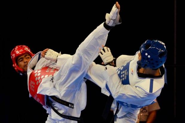 SEA Games 2015 Taekwondo kyorugi Ng Wei Ming vs NY Sovannroth
