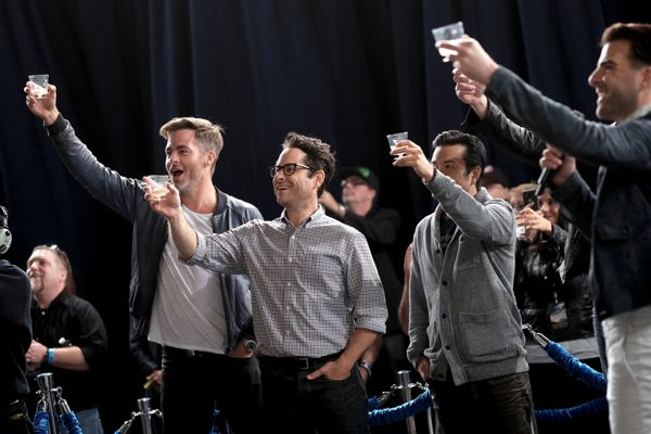 "HOLLYWOOD, CA - MAY 20: (L-R) Actor Chris Pine, producer J.J. Abrams, director Justin Lin, and actor Zachary Quinto attend the unveiling of the newly named ""Leonard Nimoy Way"" during the Star Trek Beyond Fan Event at Paramount Pictures Studios on May 20, 2016 in Hollywood, California. (Photo by Jason Kempin/Getty Images for Paramount) *** Local Caption *** Zachary Quinto;Chris Pine;Justin Lin;J.J. Abrams"