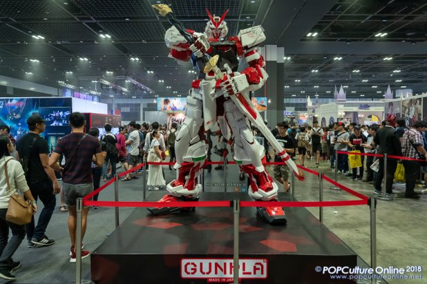 C3AFASG18 Gunpla Gundam Display