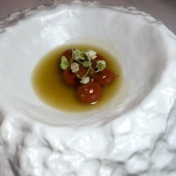 Gnocchi di annatto, brodo di patata, anguilla affumicata