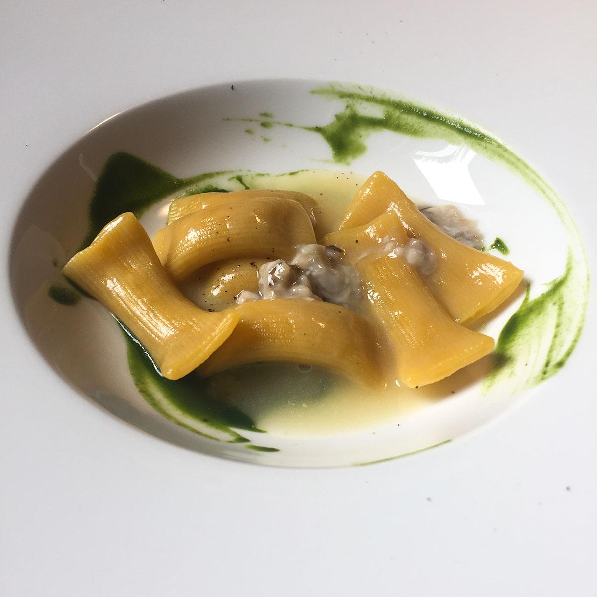 Ristorante Marconi Maccheroni ripieni di anguilla, ostrica, spinaci