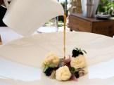 Baccalà mantecato all'olio di noce, ostrica, caviale d'aringa, cipolle arrostite e brodo di cipolle