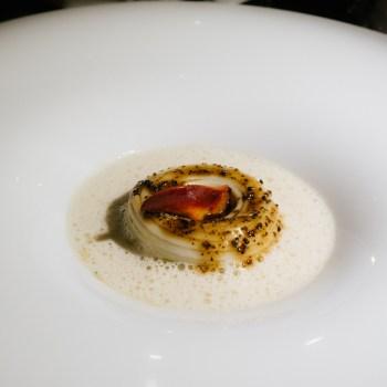 Udon, astice blu, emulsione di Albufera, tartufo nero