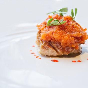 Animella fritta, carote crude e fredde marinate in saor, punch all