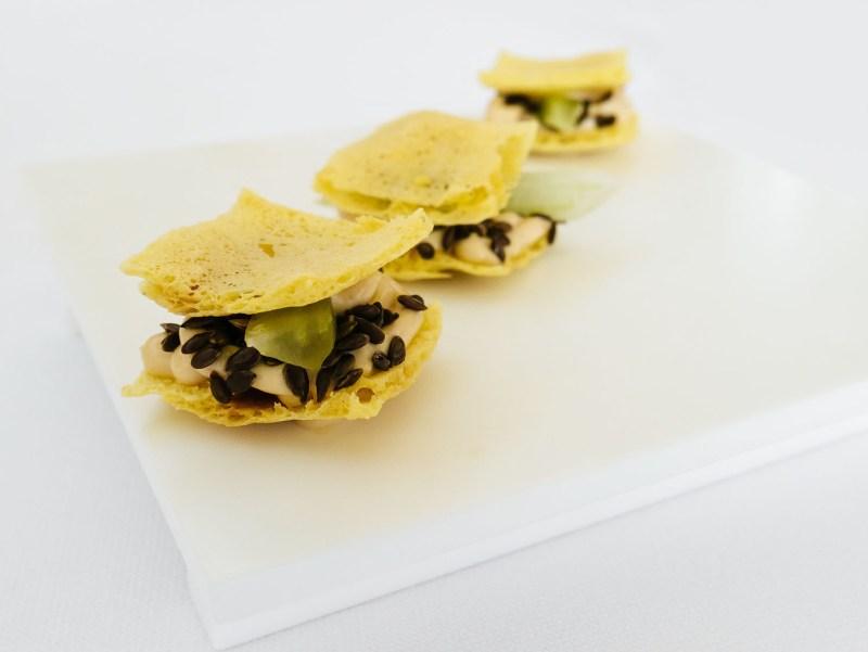 Ulliassi - Cracker di ceci con semi di lino e maionese