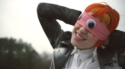 Paramore estrena el vídeoclip del tema 'Ain't It Fun ...