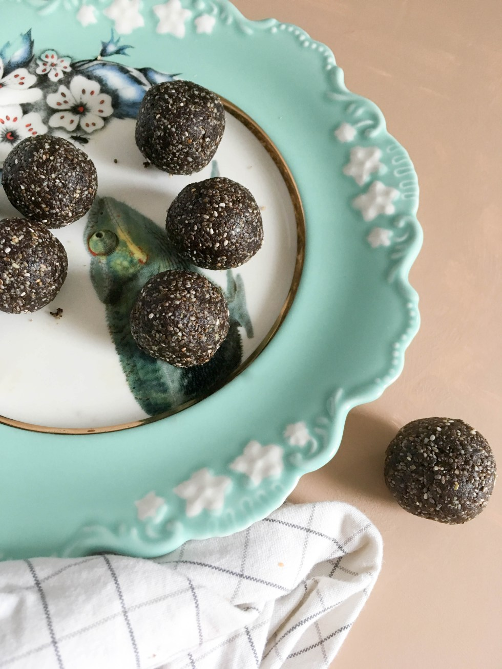 Protein Power Chocolate Truffles are an easy, healthy snack made with pumpkin seeds and dates | POP KITCHEN