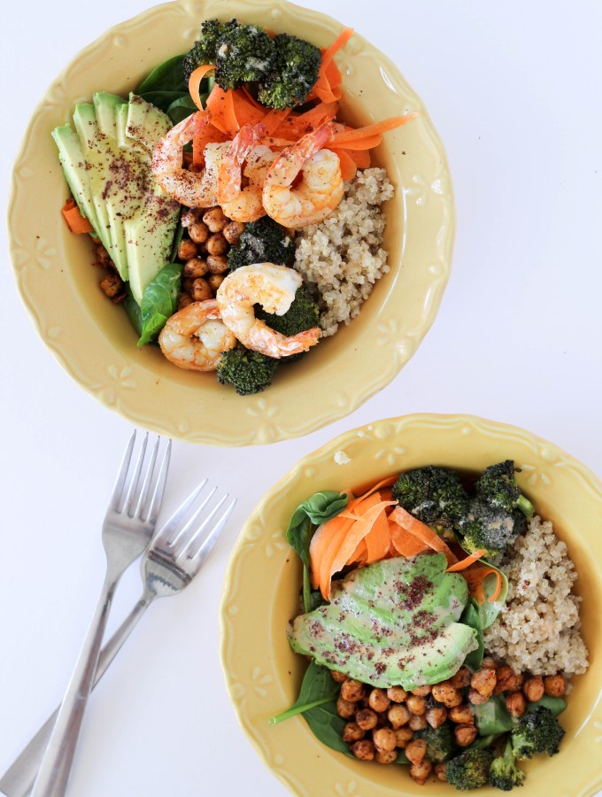 Quinoa Chickpea Buddha Bowls for every kind of diet. Either with shrimp or extra roasted smokey chickpeas // POP KITCHEN