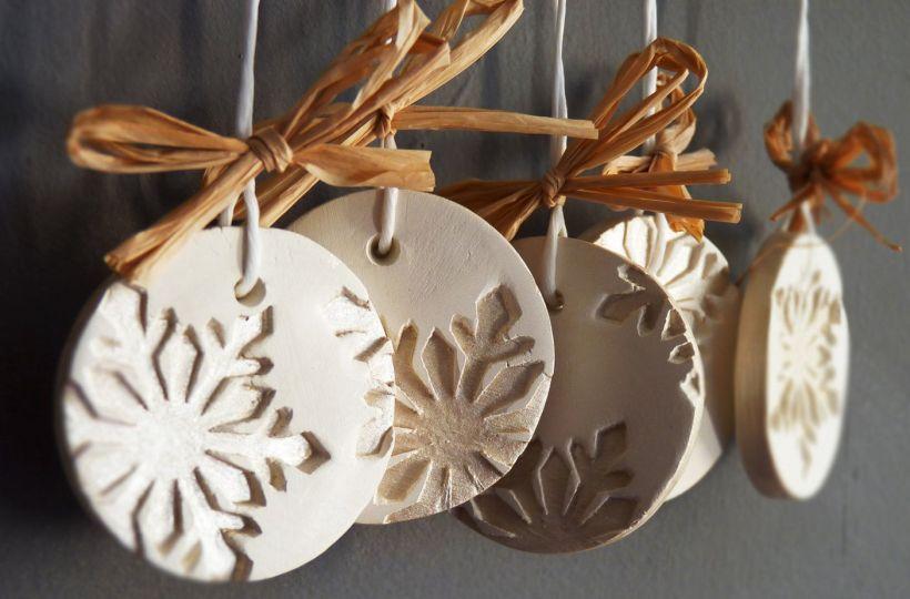 Dentrifricio per realizzare decorazioni natalizie fai da for Decorazioni natalizie personalizzate